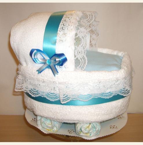 Подарок на рождение - коляска из памперсов
